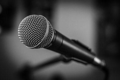 e830b10a29fc033ecd0b470de7444e90fe76e6d21bb2194196f2c1_640_microphone